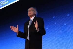 Howard Charney, Vicepresidente Senior, Oficina del Presidente de Cisco, fue el ponente magistral de Cisco Connect