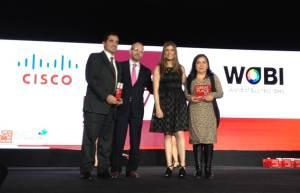 Claudia Vazquez y Mauricio Ortiz Gerentes de Recursos Humanos de Cisco México recibieron los reconocimientos