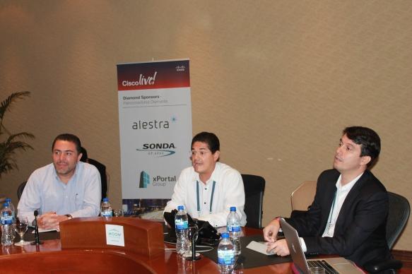 Oscar Sojo (Sonda), Rodolfo Molina (Cisco) y Efrain Otero O4IT